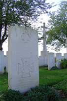 2Lt Cates VC Buried Hem Farm Cem
